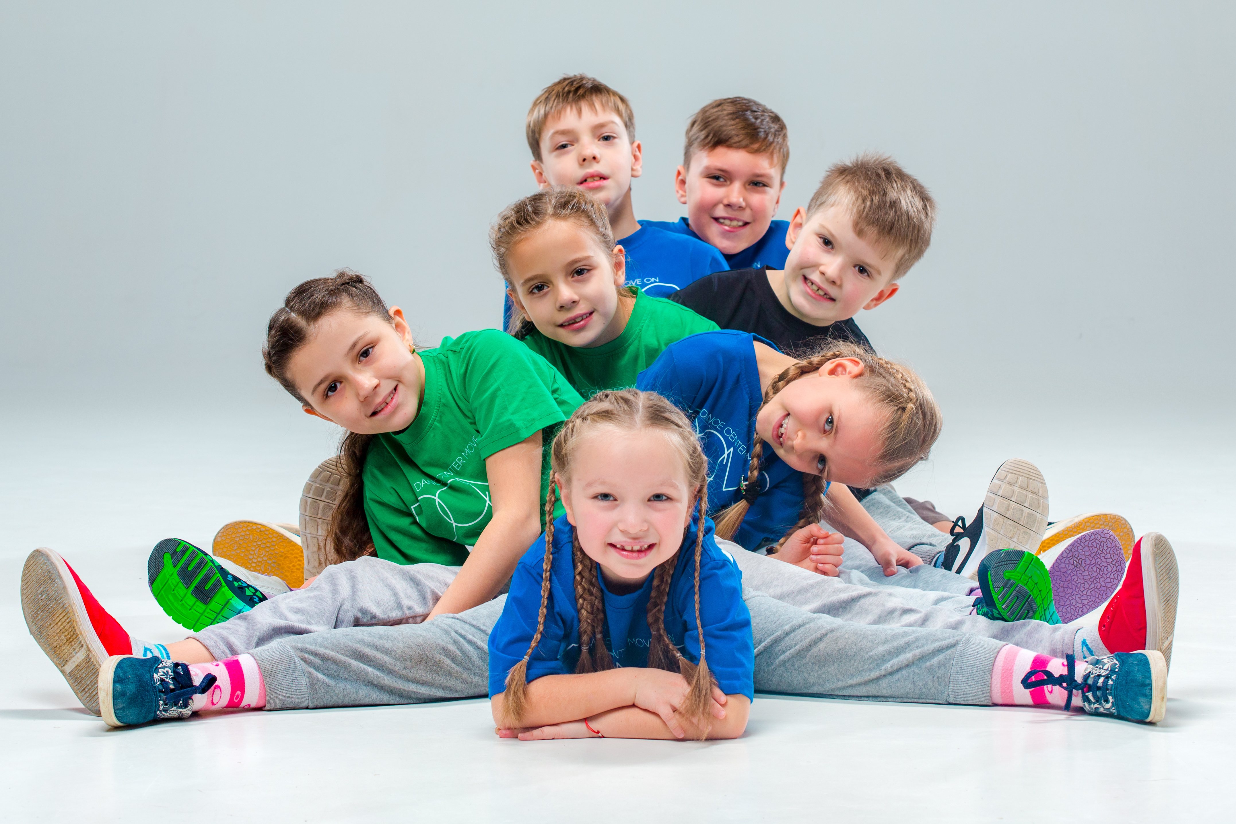 <p>The kids dance school, ballet, hiphop, street, funky and modern dancers on gray studio background</p>